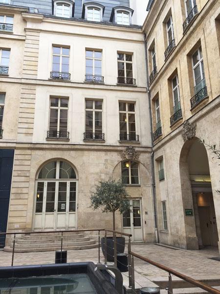 L'hôtel Terray de Rozières - L'aile abritant le grand escalier