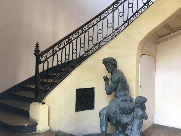L'hôtel Boula de Quincy : l'escalier Louis XIV dans l'aile droite
