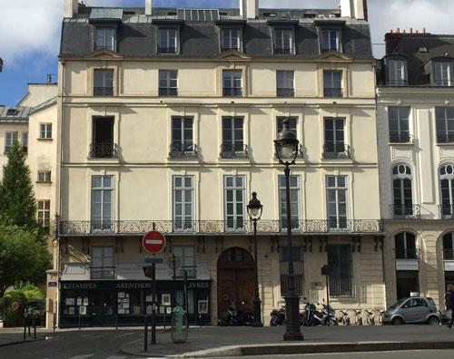 Hôtel Dorat : la façade sur le quai Malaquais