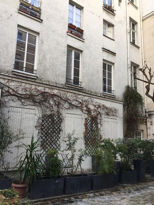 L'hôtel Bence : l'aile droite dans la cour
