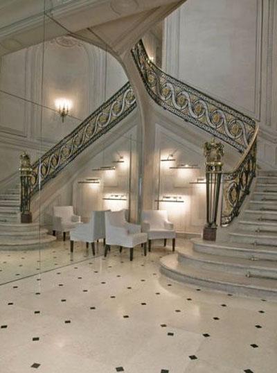 L'hôtel d'Essling : l'escalier d'honneur