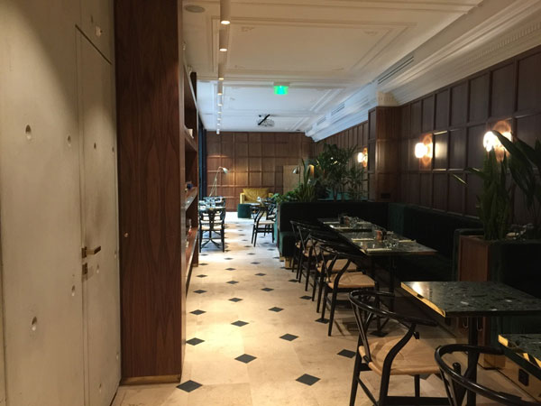 L'hôtel Parister : le café