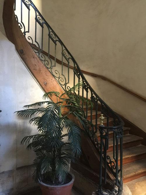 L'hôtel Le Charron : l'escalier B