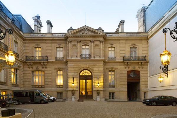 L'hôtel de Marigny : l'aile abritant le grand escalier
