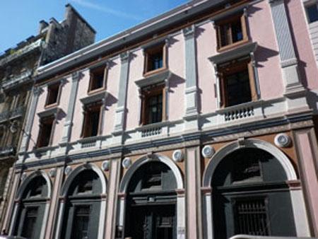 L'hôtel Paul Delaroche : la façade sur la rue Saint-Lazare