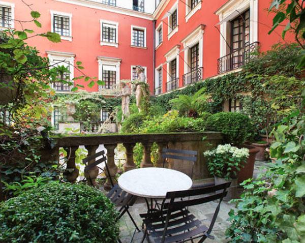 L'hôtel Costes : le patio intérieur