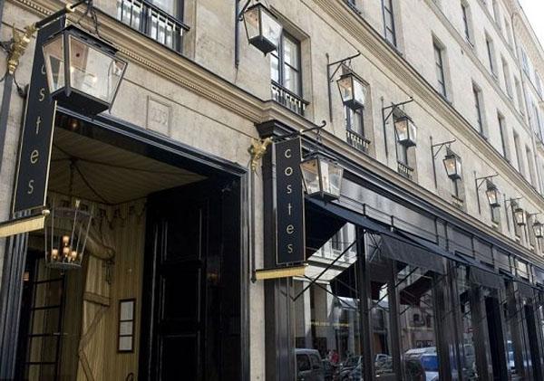 L'hôtel Costes : la façade sur rue