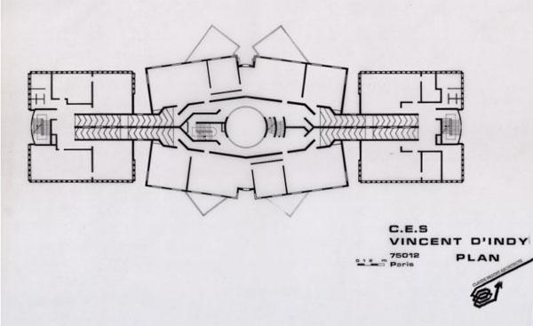 le collège Vincent d'Indy - Plan - Les escaliers circulaires et les rampes constituent un axe transversal desservant les étages