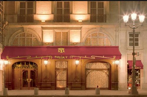 Le restaurant Maxim's - Façade sur le rue Royale