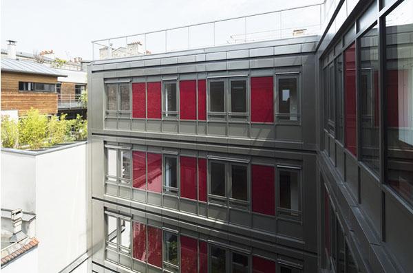 Les façades sur cour du bâtiment industriel rénové