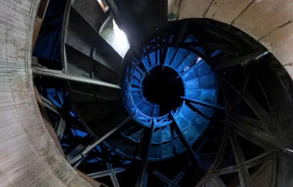 La colonne de Juillet : l'escalier intérieur