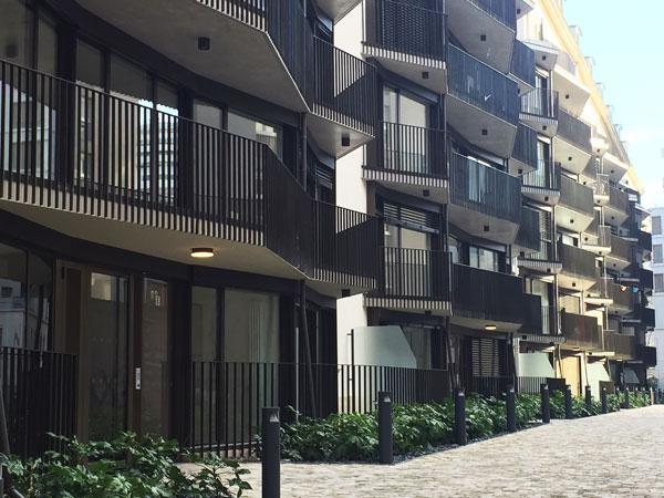 Logements dans le bâtiment principal de la caserne de Reuilly : la façade arrière
