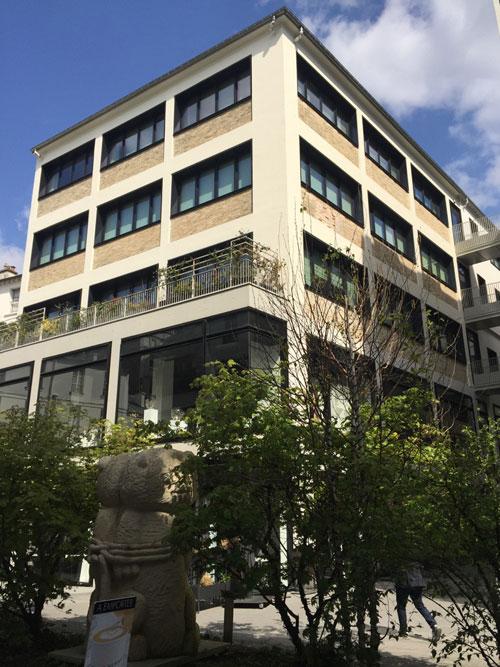 Beaupassage : un des anciens bâtiments industriels aménagé en logements