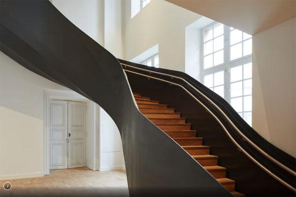 Le musée Carnavalet : l'un des escaliers contemporains